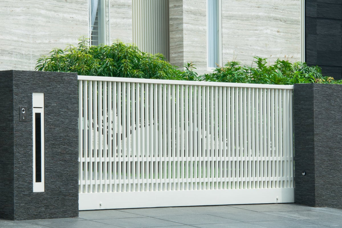 moderne metalen poorten