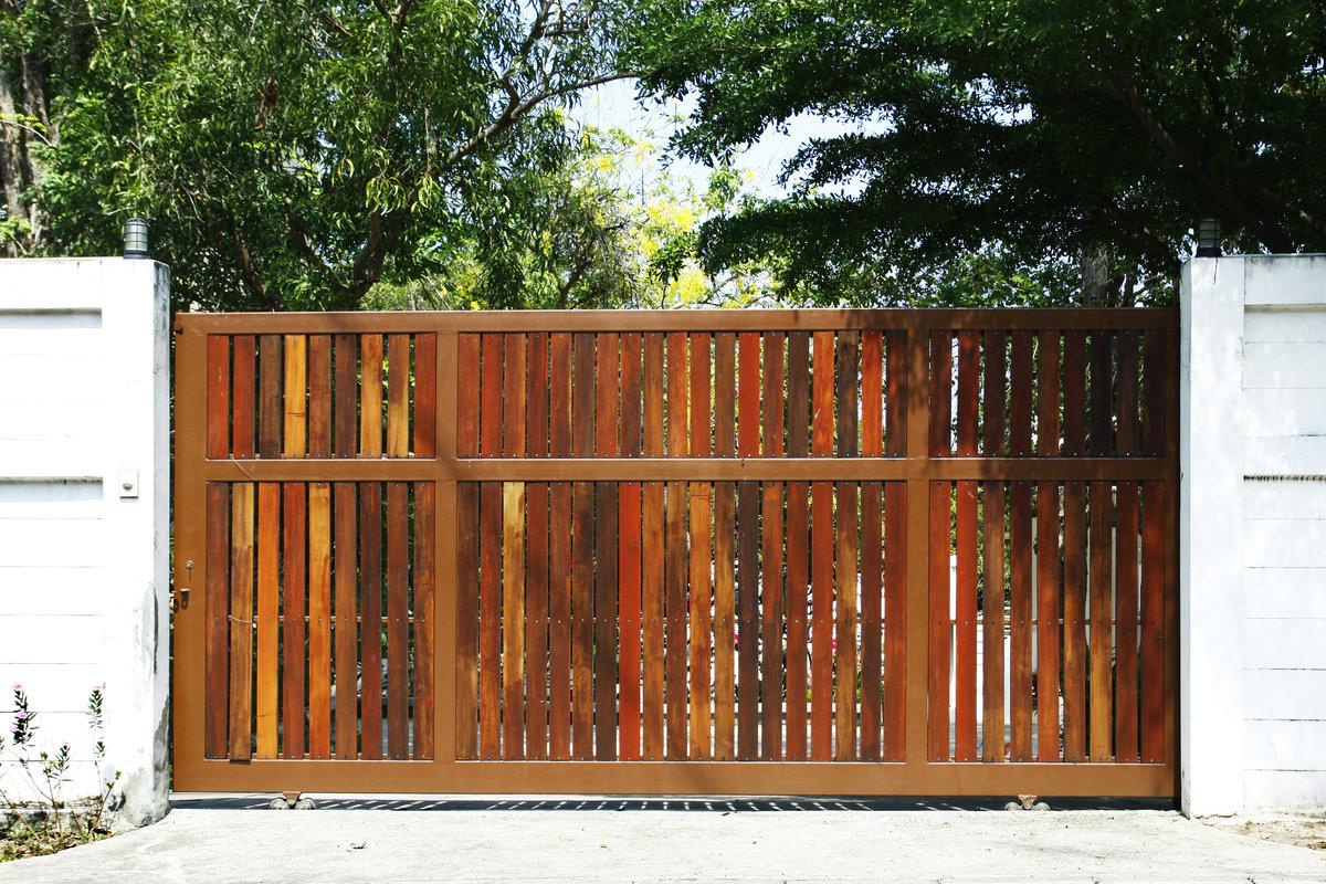 moderne poort hout