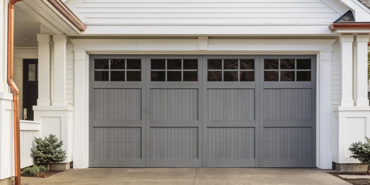 Garagepoort landelijke stijl houtlook