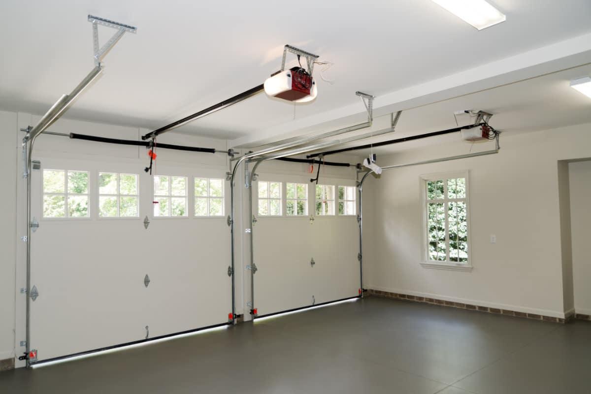 Elektrische Garagepoort Plaatsen Mogelijke Uitvoeringen