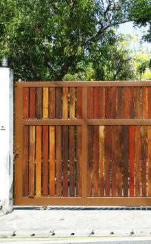 poort oprit hout